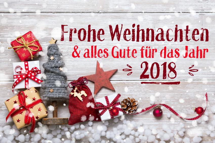 Frohe Weihnachten Wünschen Euch.Wir Wünschen Euch Ein Schönes Und Friedliches Fest